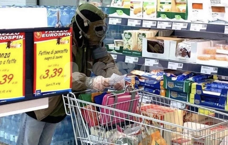 """Spesa """"strana"""" ad Assisi: è rilanciata in una pagina satirica via social"""