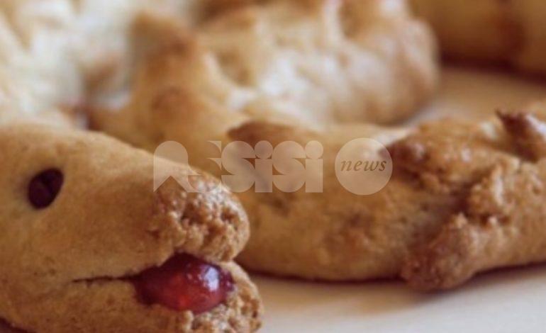 Torciglione umbro alle mandorle: dolce di Natale, ricetta e preparazione