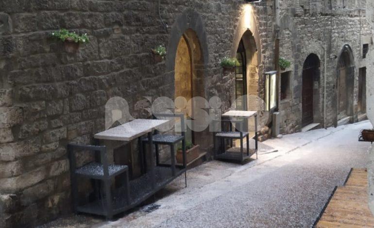 Grandinata ad Assisi, grande spettacolo fortunatamente senza danni (foto)