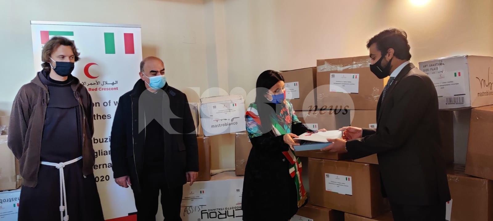 Famiglie in difficoltà, all'Emporio solidale 7 ceste la donazione degli Emirati Arabi