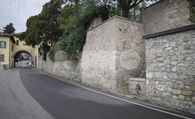 """Piazza delle Viole, Pd e Assisi Domani: """"Uniti per Assisi vota contro il suo emendamento"""""""