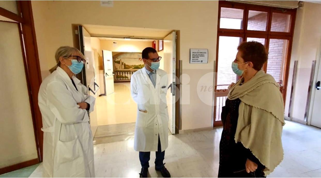"""Emma Pavanelli in visita all'ospedale di Assisi: """"Qui per medici e operatori"""""""