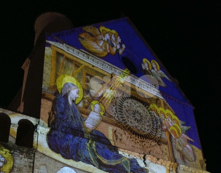 Videomapping ad Assisi per il Natale 2020: gli orari di accensione e dove vedere le proiezioni (foto-video)