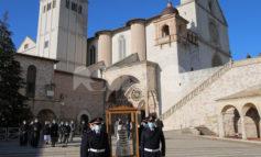 Madonna di Loreto, tappa ad Assisi per la sacra effigie (foto+video)