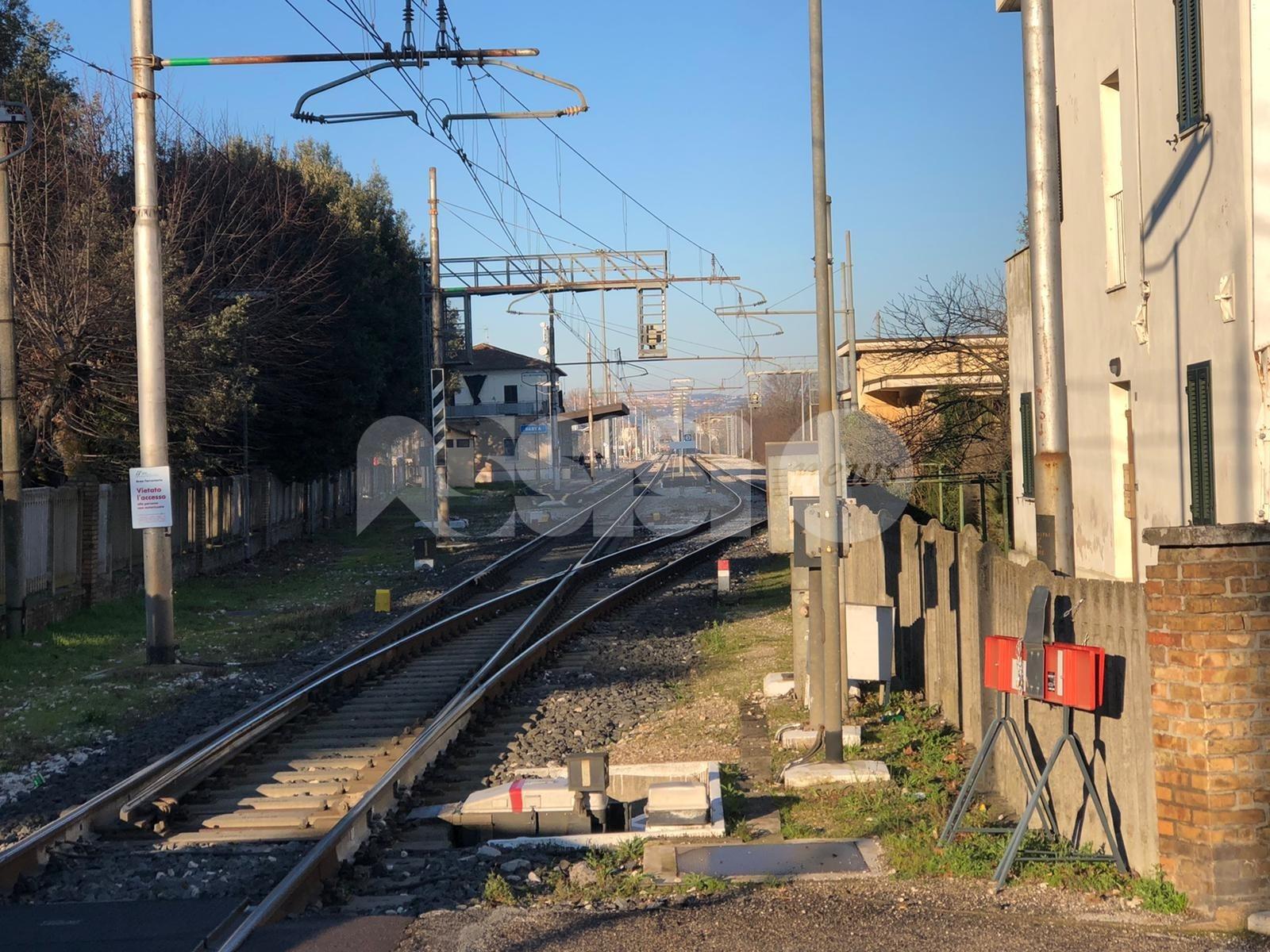 Investimento mortale alla stazione di Bastia Umbra, indagini in corso. Ripresa la circolazione - foto
