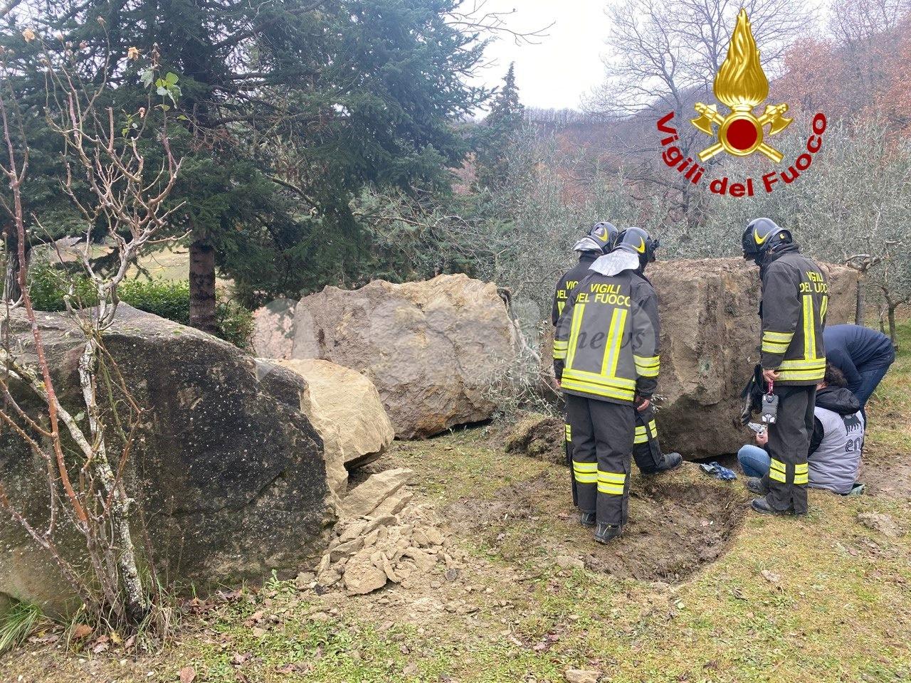 Fuga di gas a Paradiso di Assisi, vigili del fuoco e tecnici sul posto (foto)