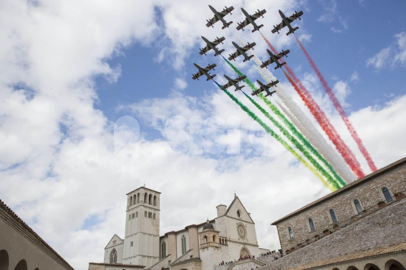 4 ottobre festa nazionale, Assisi Domani plaude e pungola