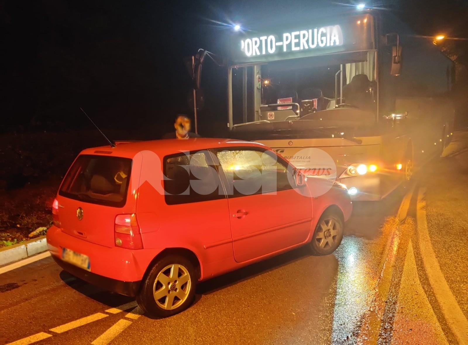 Novantenne in auto contro un bus: illesa, è a casa e sta bene