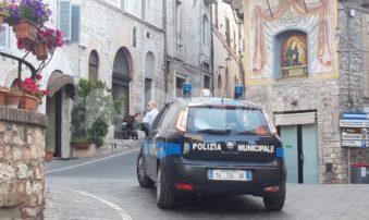 Controlli anti Covid, la municipale multa 8 persone tra centro storico e frazioni