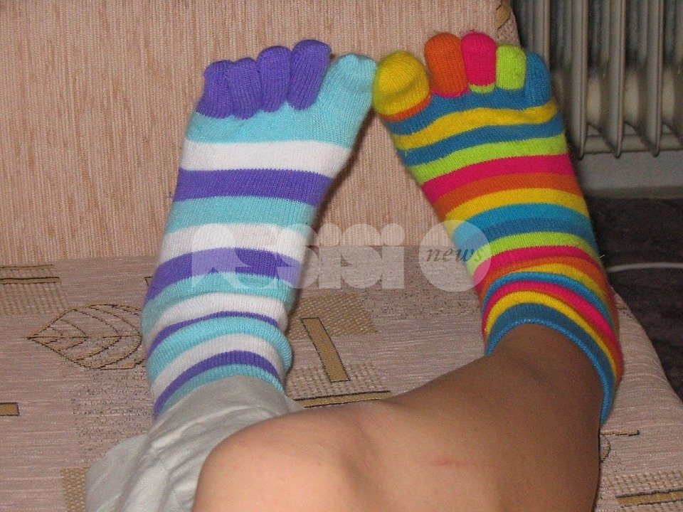 Giornata mondiale dei calzini spaiati 2021, anche ad Assisi tante adesioni