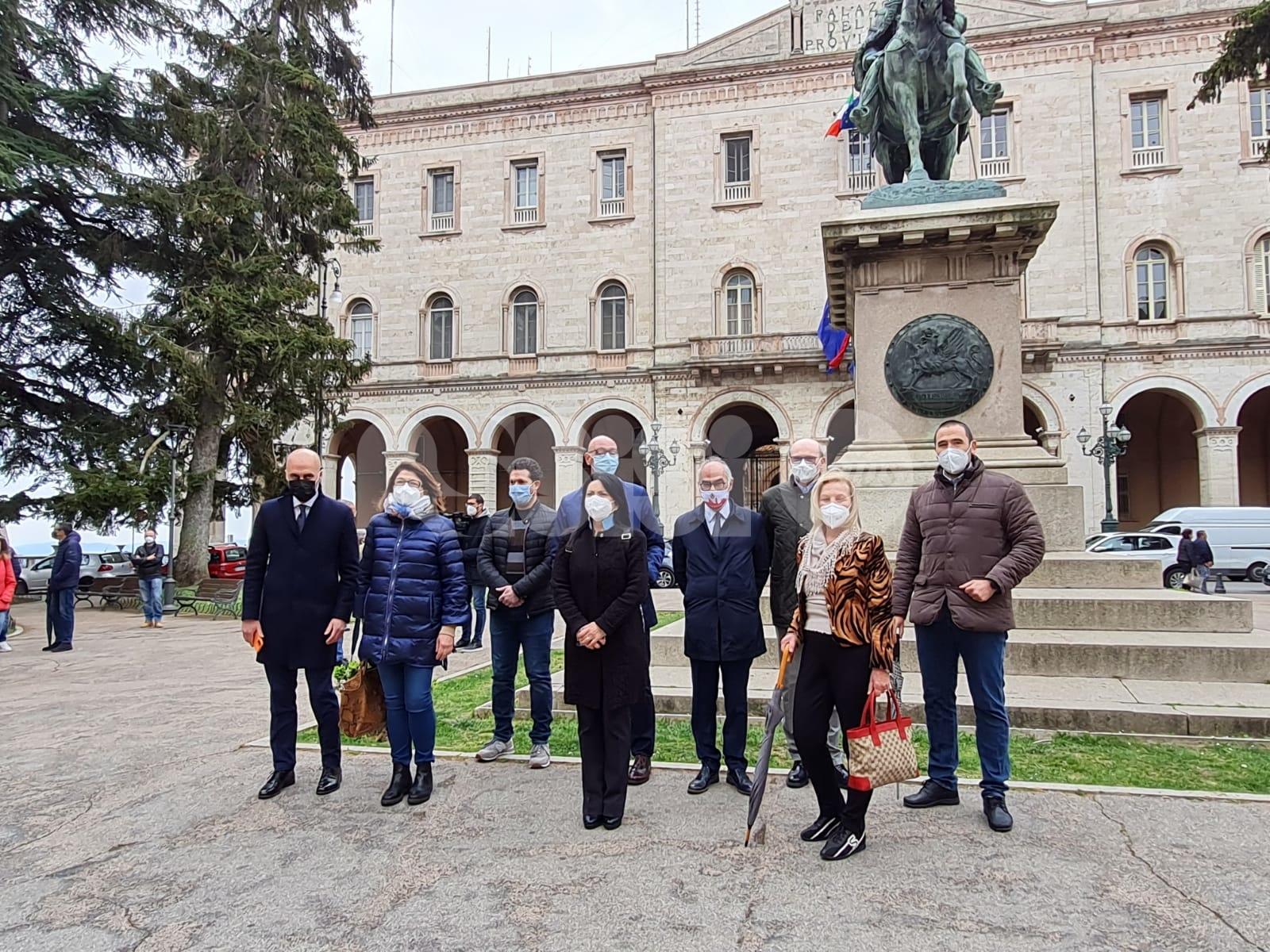 """Case di riposo in protesta contro """"l'indifferenza"""" della Regione Umbria (foto e video)"""