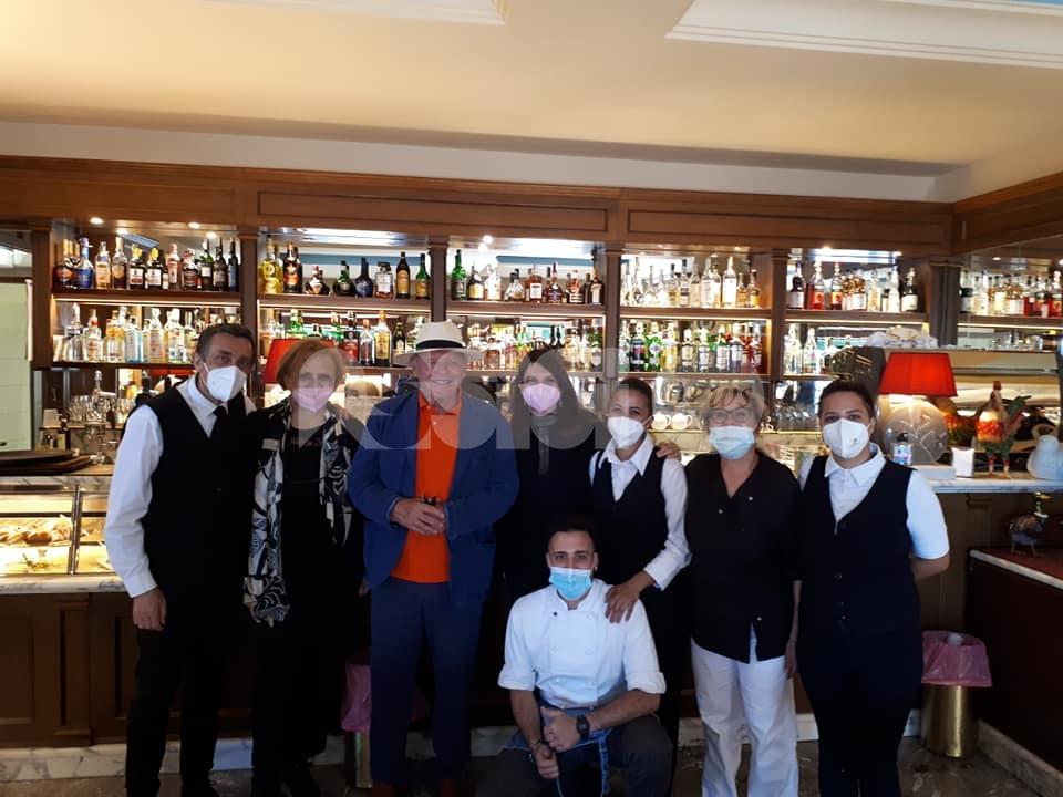 Anthony Hopkins in visita ad Assisi: pranzo al ristorante San Francesco