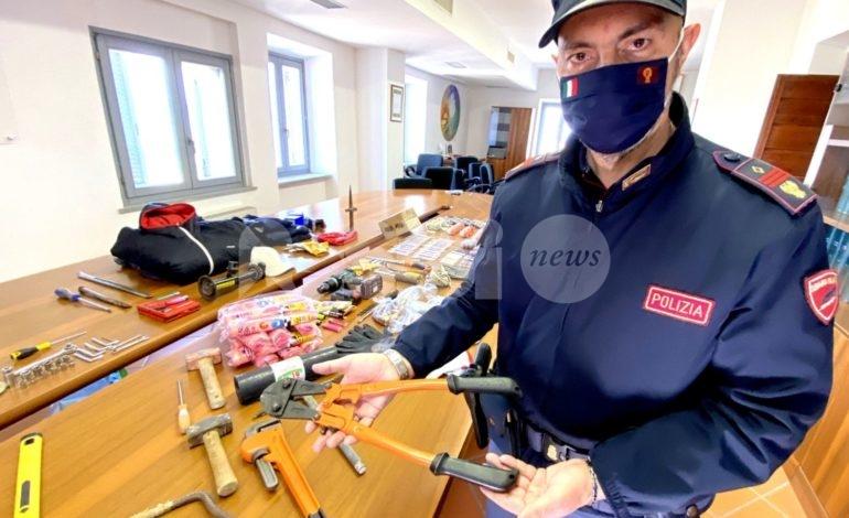 Tre furti in poche ore a Bastia, ladri incastrati: il grazie della giunta Lungarotti (video)