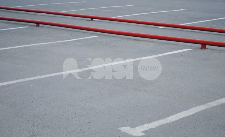 Percorsi meccanizzati nei parcheggi, Angelucci segnala irregolarità, il Comune smentisce