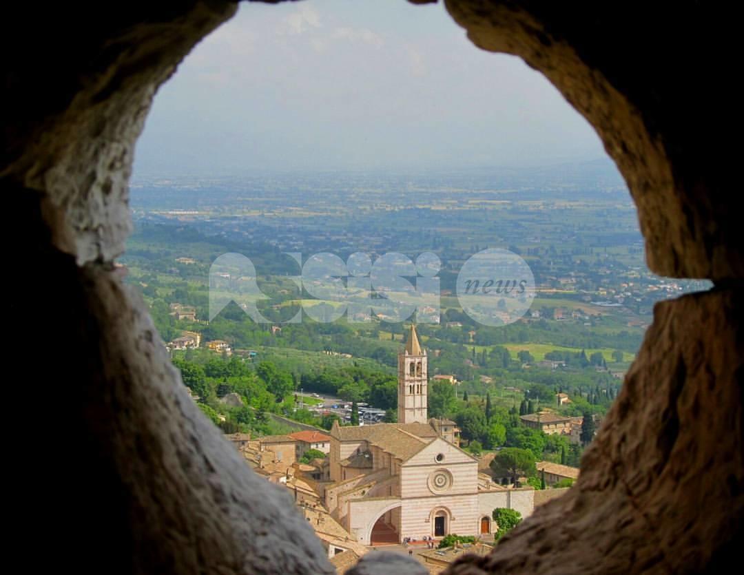 Assisi oltre le mura, sabato 12 la presentazione del libro