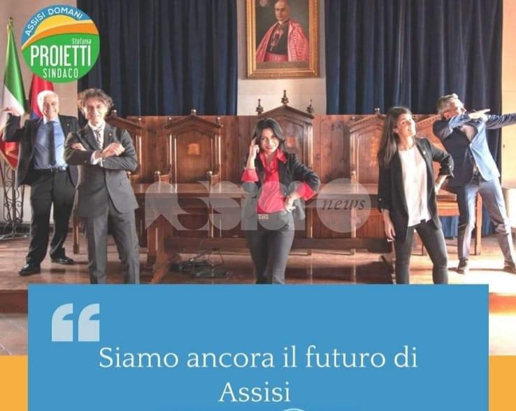 """""""La Sala della Conciliazione non è una sala da ballo"""", FdI contro Assisi Domani"""