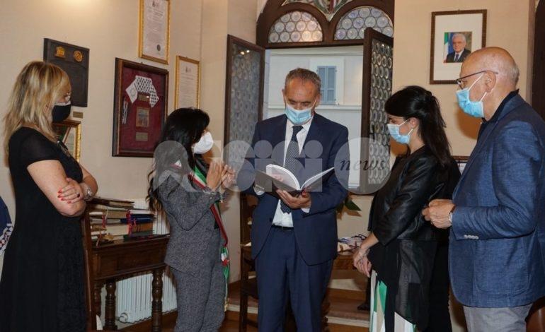 Giovanni Legnini in visita ad Assisi per fare il punto sulla ricostruzione