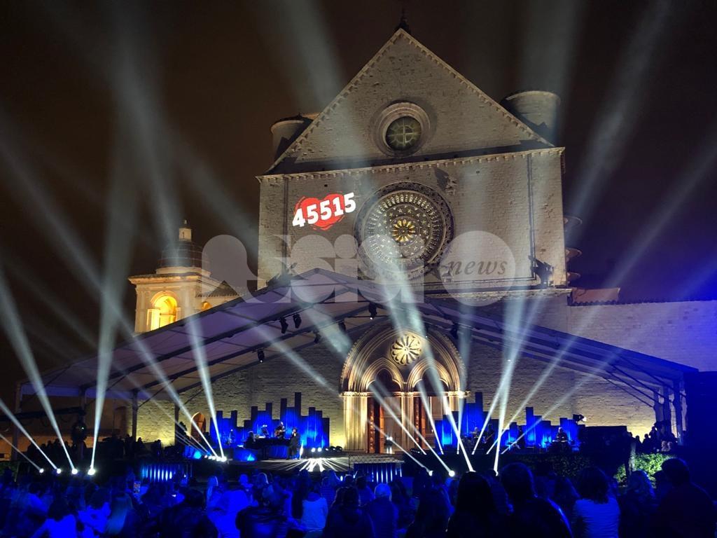 Con il cuore 2021, successo di ascolti e solidarietà per il concerto benefico dei frati di Assisi (foto+video)