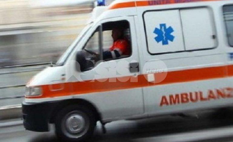 Incidente stradale a Petrignano, investita 16enne: è ricoverata a Perugia