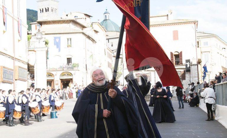 Addio a Lucio Biondi, Parte de Sopra e il Calendimaggio piangono uno dei personaggi storici della Festa