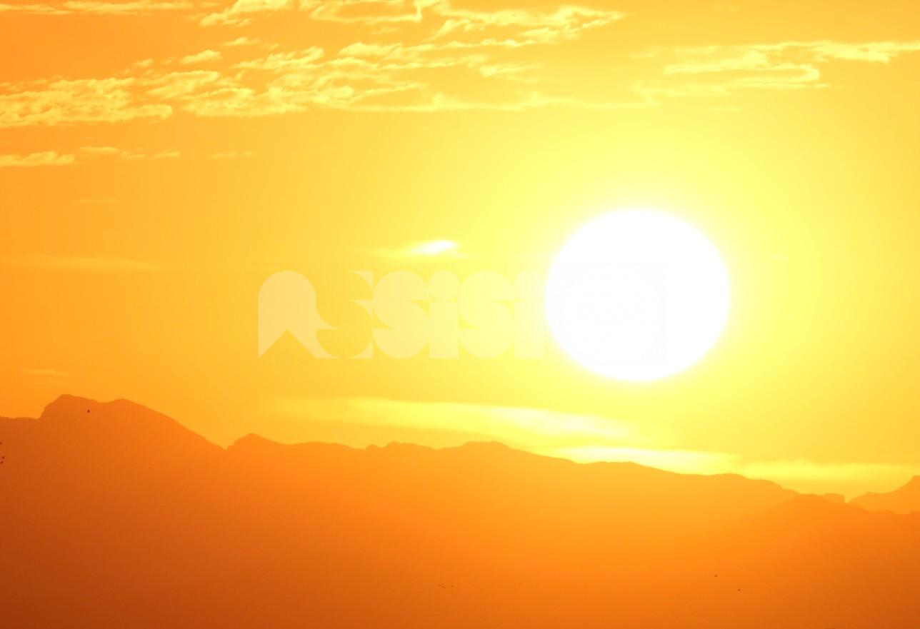 Meteo Assisi 9-11 luglio 2021: altri giorni di gran caldo, poi la tregua