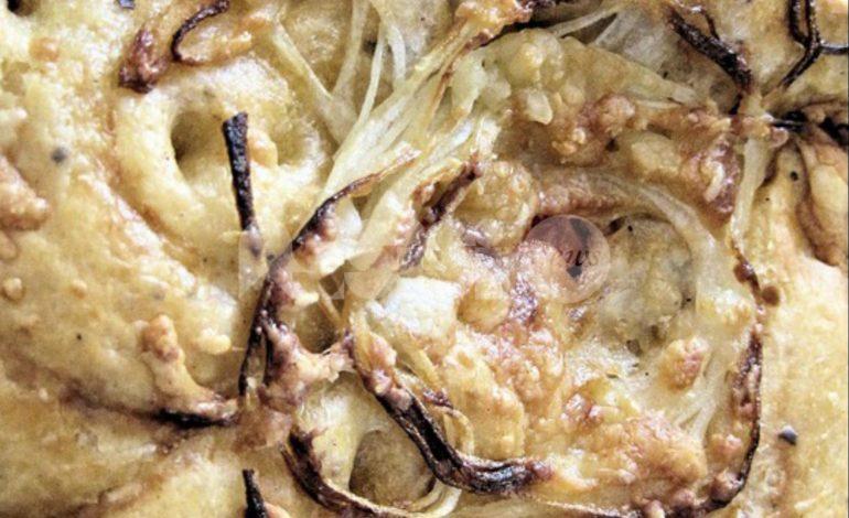 Schiacciata umbra alla cipolla, ricetta e preparazione