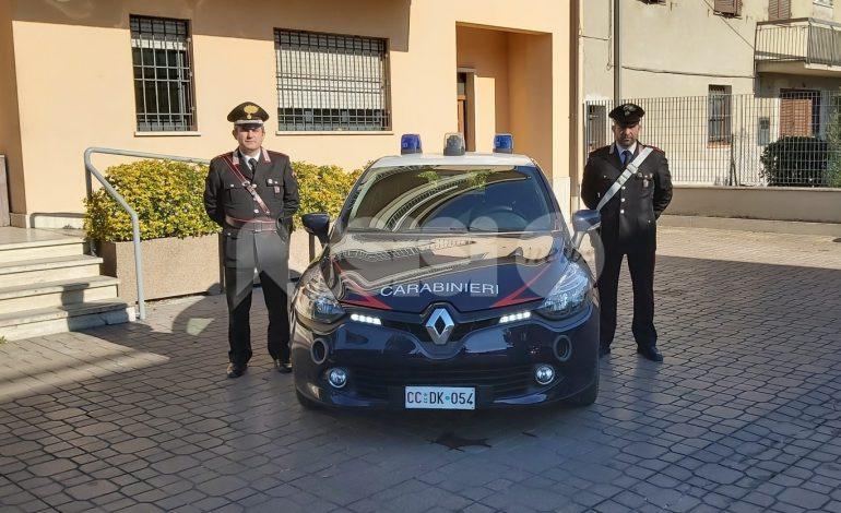 Bimbo cade dal balcone, salvato dalla zia: succede a Bastia Umbra