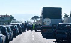 Incidente sulla Centrale Umbra, a Bastia carambola tra 7 auto: morto 69enne, la figlia ricoverata in ospedale